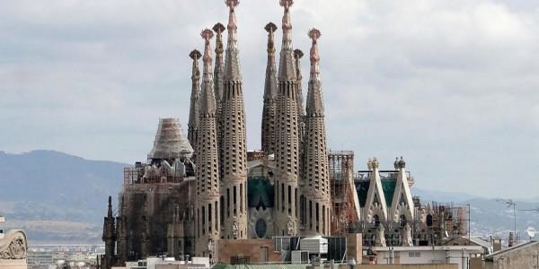 familia-sagrada-top-barcelona-spain-travel-lists-137435